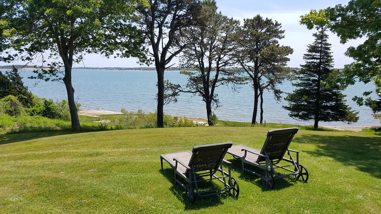 1500px lawn chairs bay house